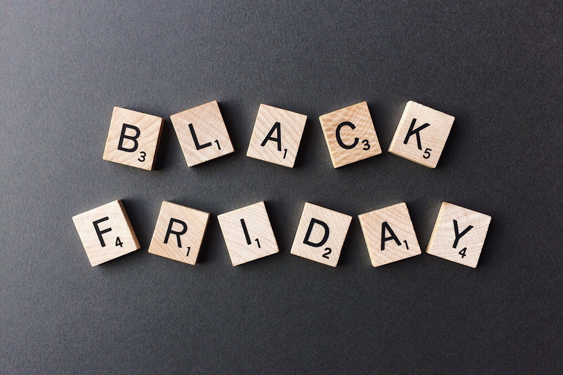 black-friday-2925476_1920