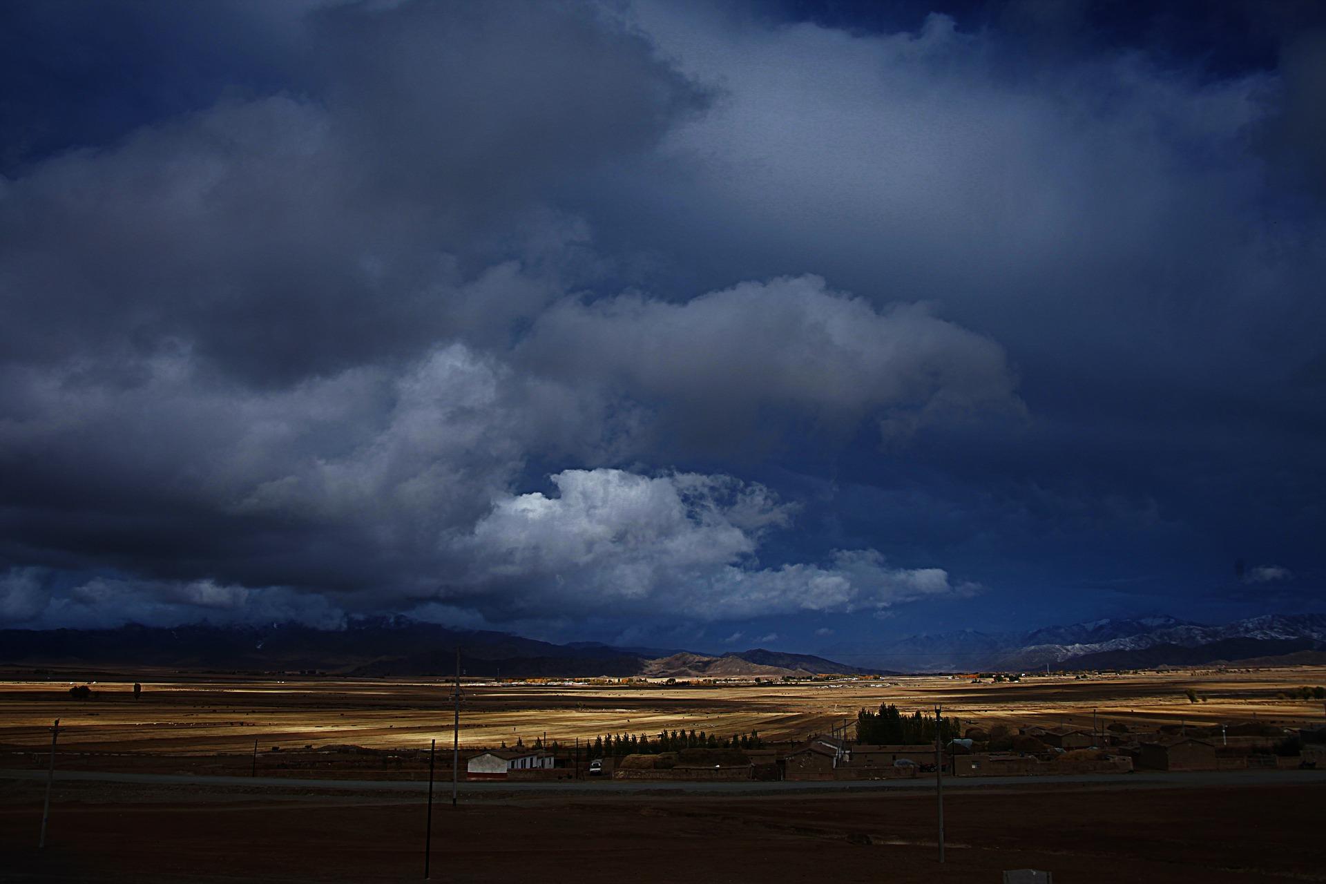prairie-4184525_1920.jpg